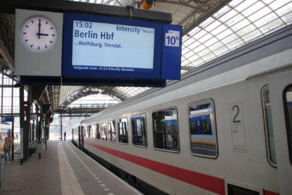 opweg naar Berlijn uit de trein gezet…